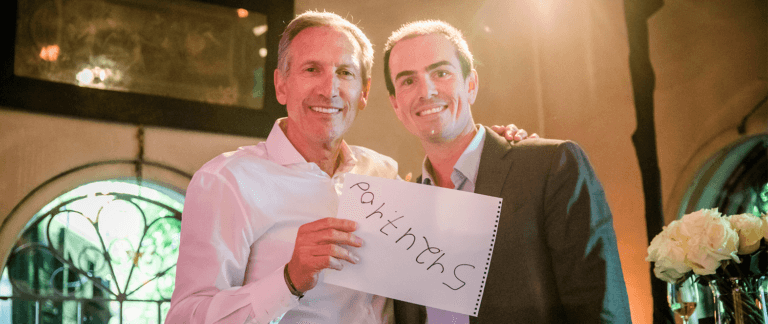 Mentalist Kevin Viner entertainers Starbucks Chairman Howard Schultz